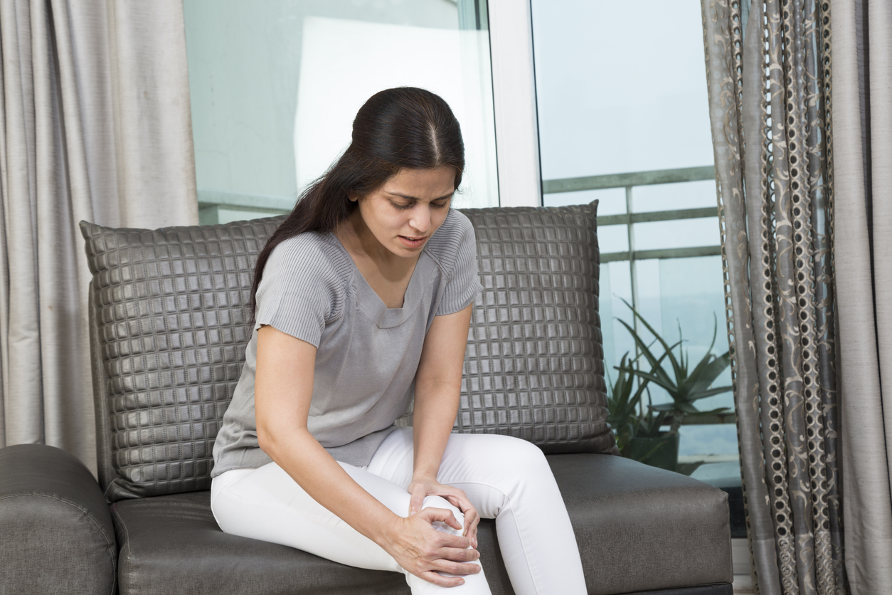 Looking for knee pain stretches? Try these three effective ones